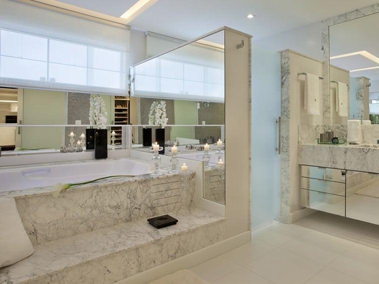 Banheiro em mármore Carrara