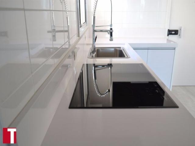 Bancada Cozinha em Silestone Blanco Zeus
