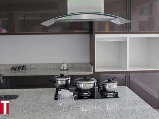Cozinha em Granito Branco Polar