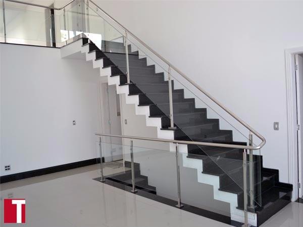 Escada em Granito Verde Ubatuba