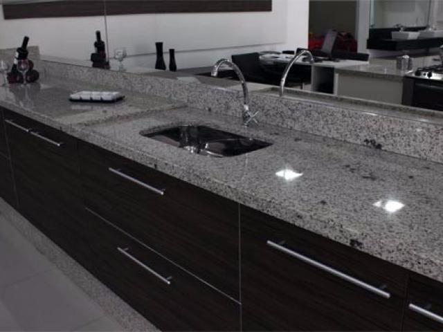 Marmore ou granito na cozinha empresa de escadas de for Empresas de granito